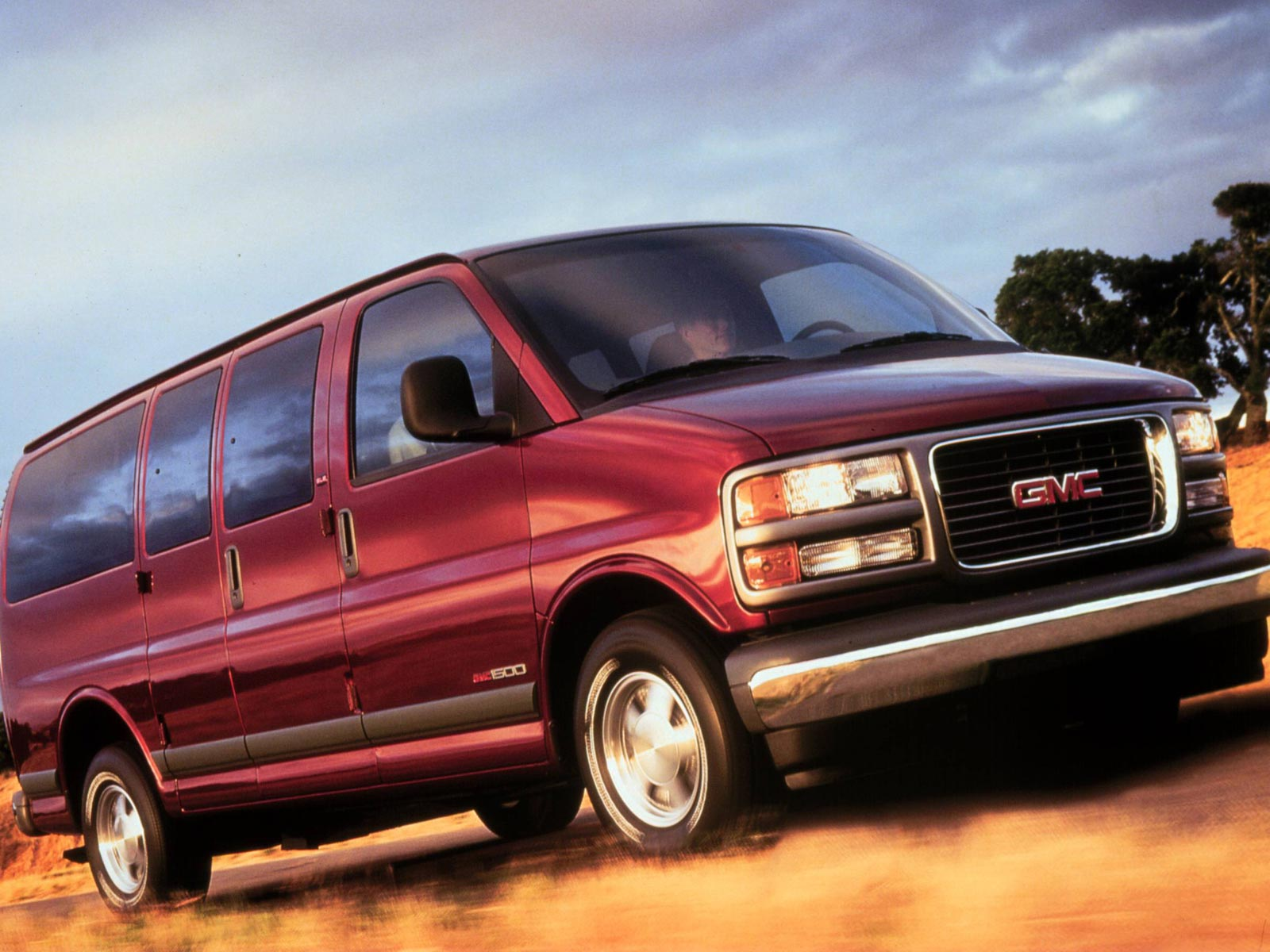 2000 GMC Savana (c) GMC