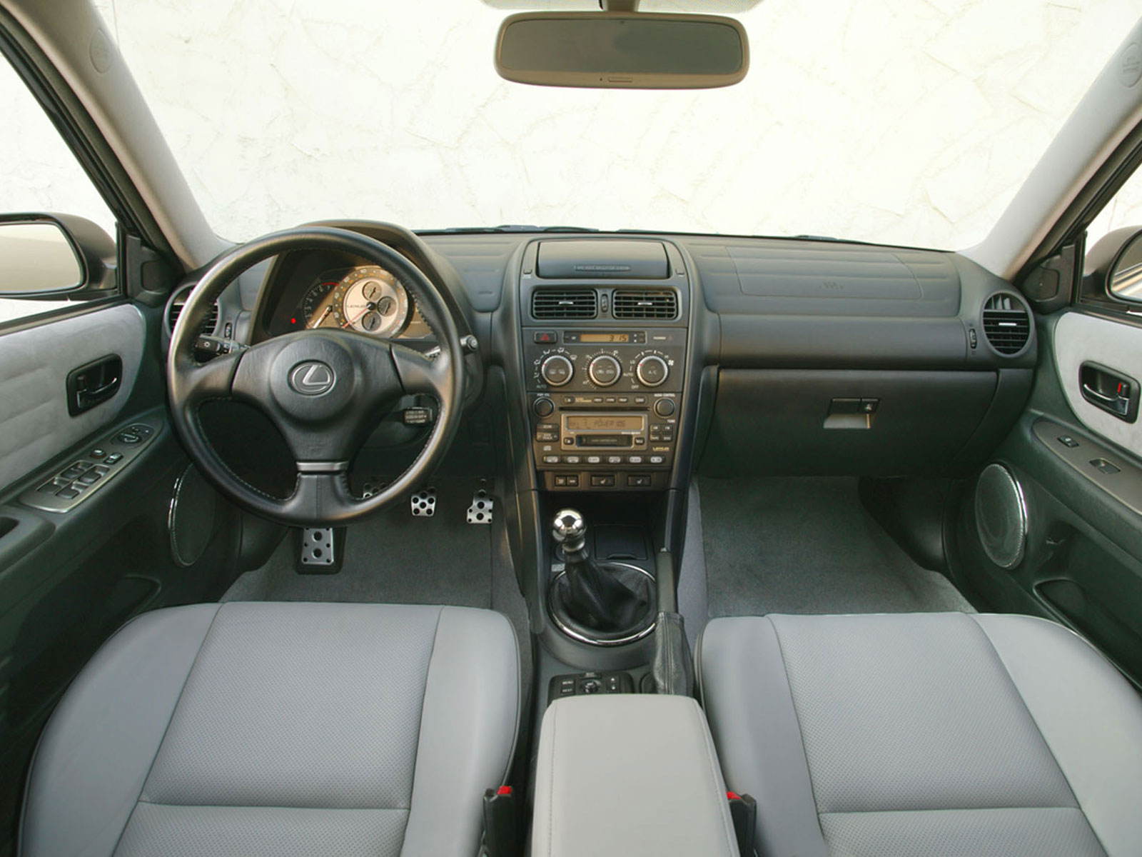 2003 Lexus IS (c) Lexus