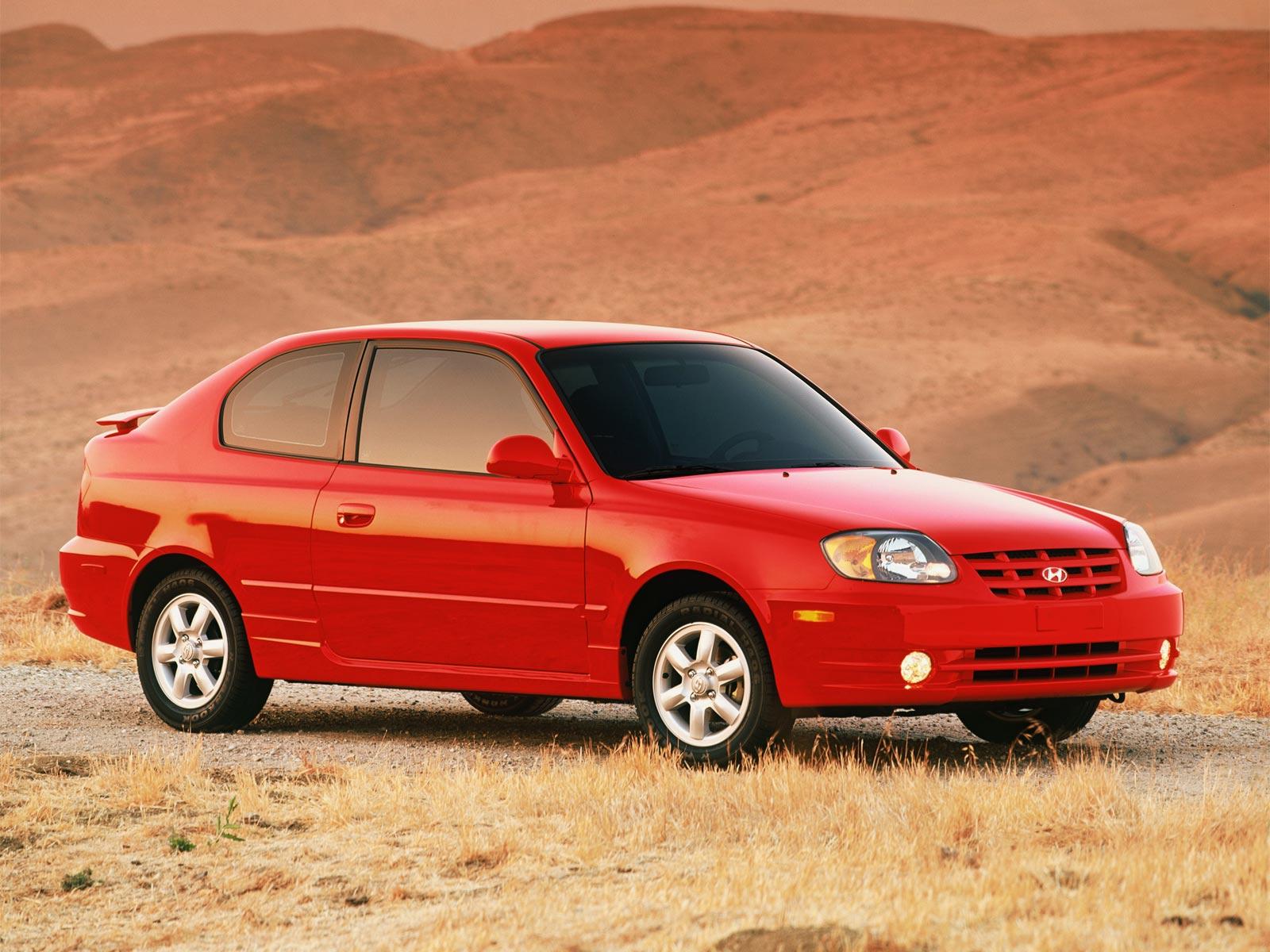 2005 Hyundai Accent Hatchback (c) Hyundai