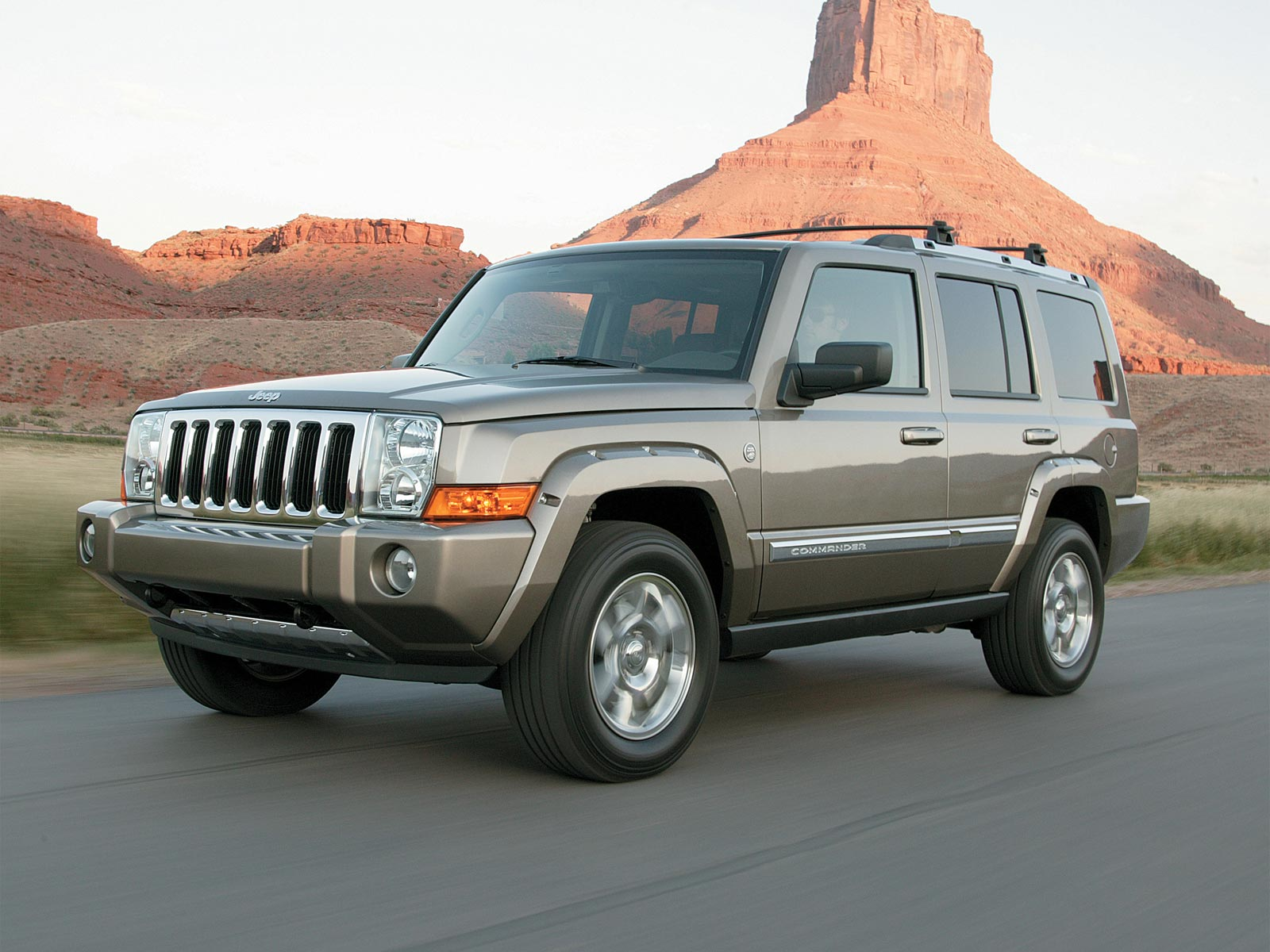 2006 2010 jeep commander autoguru. Black Bedroom Furniture Sets. Home Design Ideas