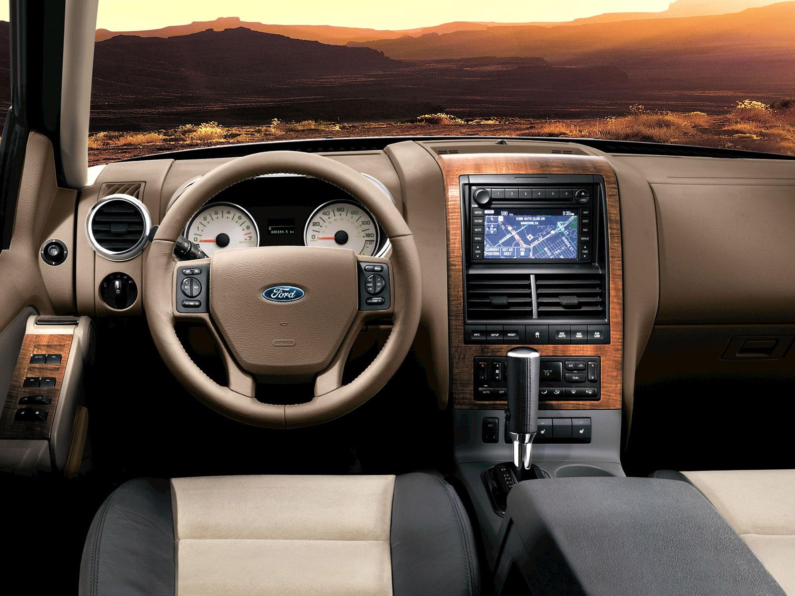 2007 Ford Explorer (c) Ford