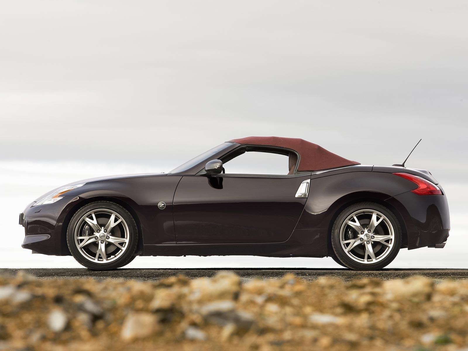 2010 nissan 370z roadster autoguru. Black Bedroom Furniture Sets. Home Design Ideas