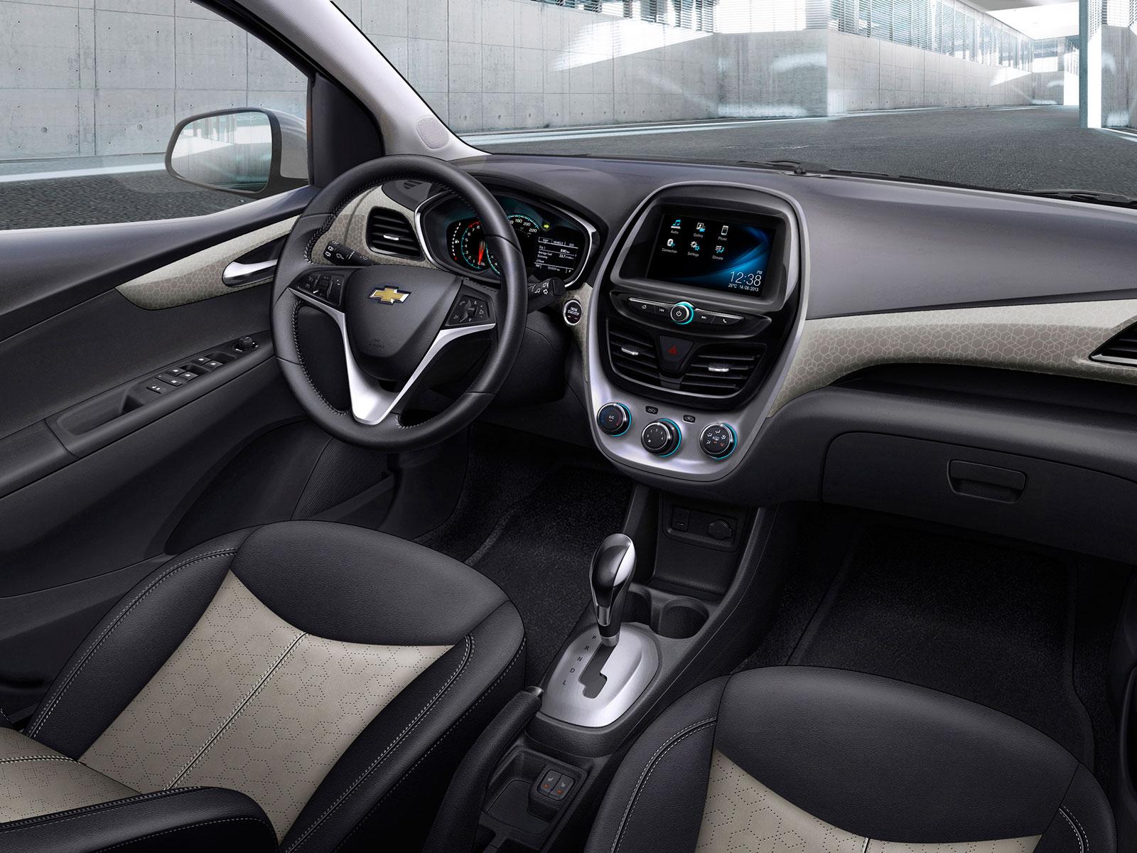 2015 Chevrolet Spark (c) Chevrolet