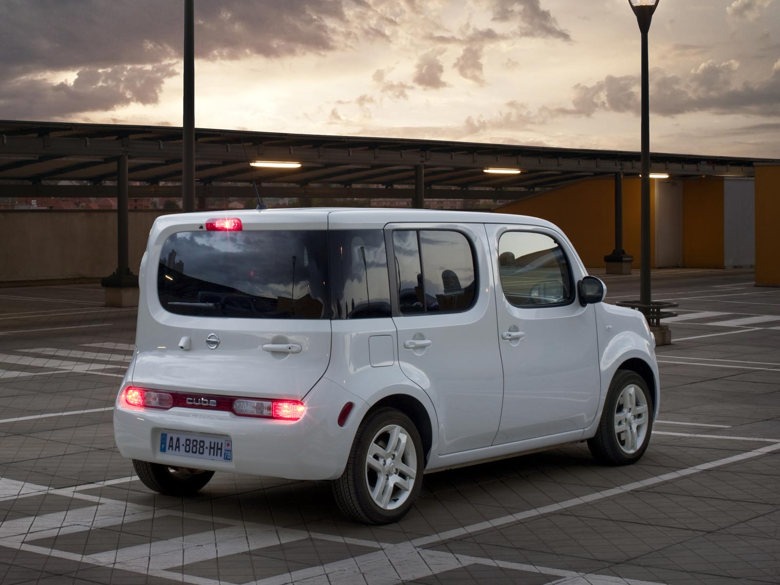 2008 nissan cube autoguru. Black Bedroom Furniture Sets. Home Design Ideas