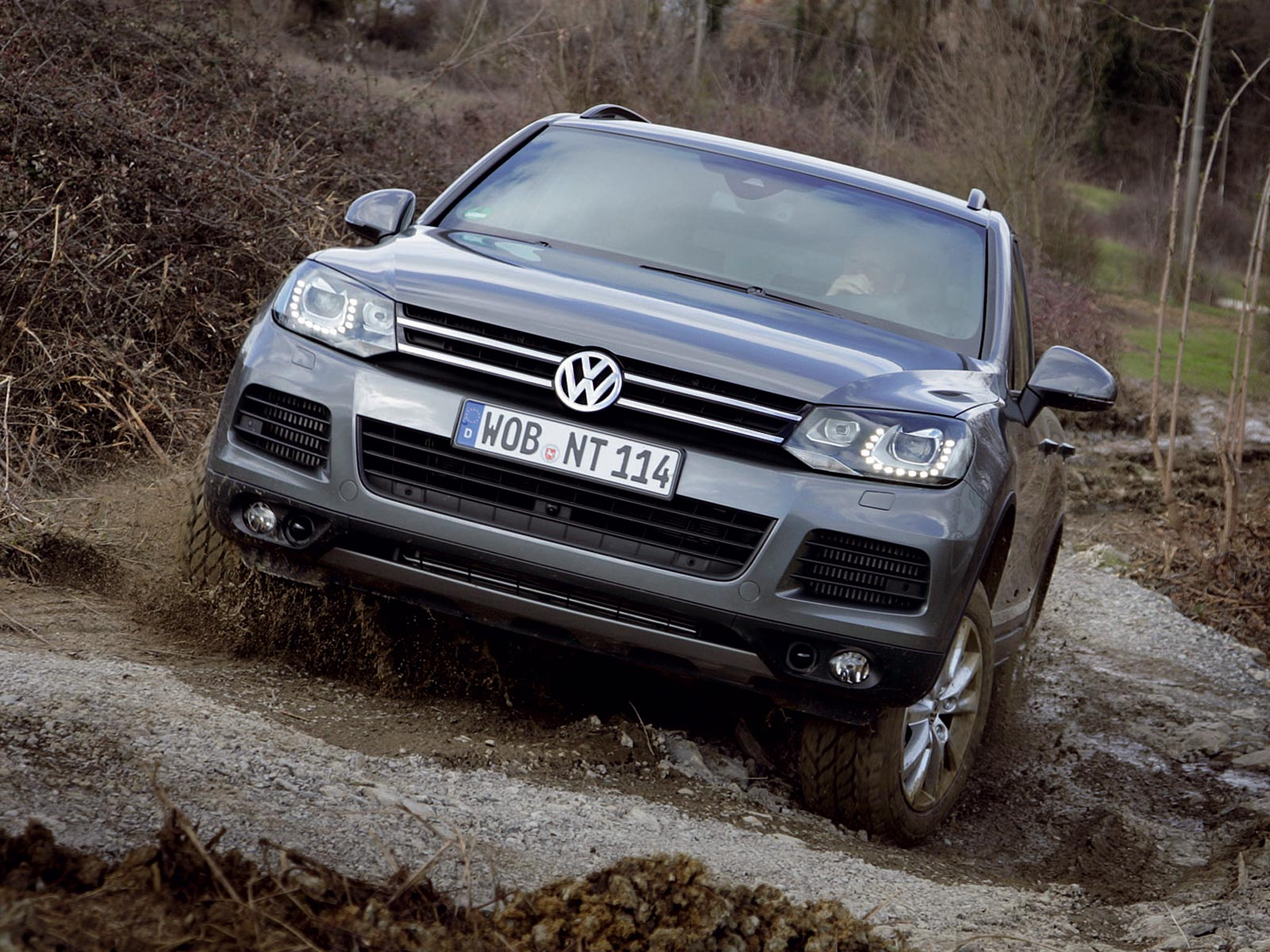 2010 vw touareg ii autoguru. Black Bedroom Furniture Sets. Home Design Ideas
