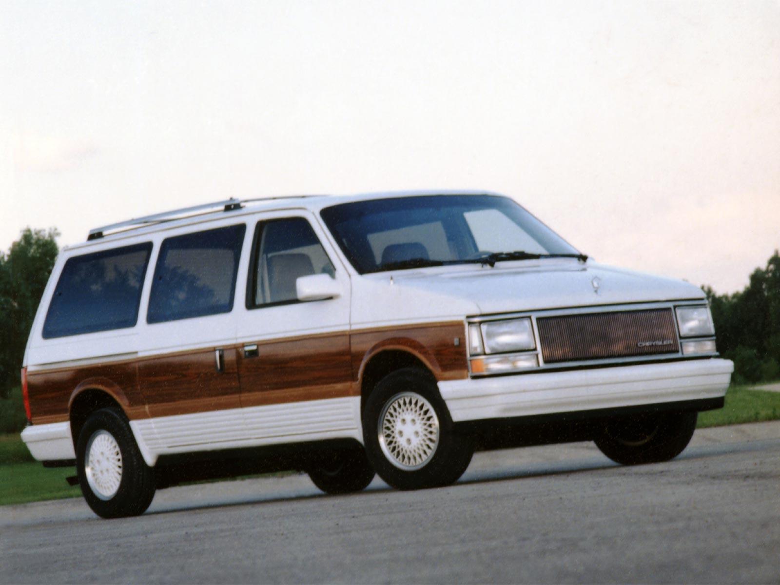 1989 1990 chrysler town country autoguru. Black Bedroom Furniture Sets. Home Design Ideas
