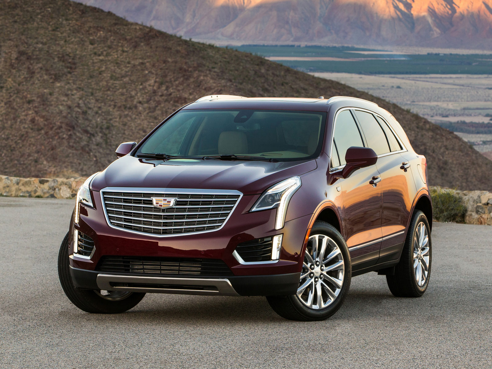 2016 cadillac xt5 autoguru. Black Bedroom Furniture Sets. Home Design Ideas